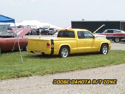 Above: Dodge Dakota R/T, photo from 2000 Chrysler Classic Columbus, Ohio.