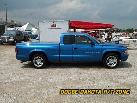 Above: Dodge Dakota R/T, photo from 2000 Chrysler Classic Columbus, Ohio.