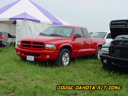 Above: Dodge Dakota R/T, photo from 2001 Chrysler Classic Columbus, Ohio.