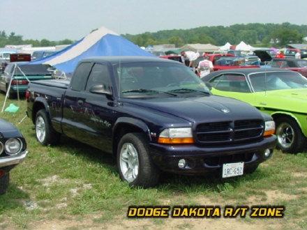 Above: Dodge Dakota R/T, photo from 2001 Mopar Nationals Columbus, Ohio.