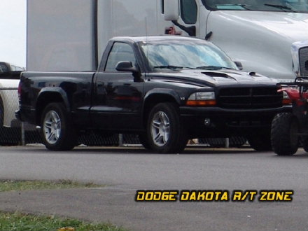 Above: Dodge Dakota R/T, photo from 2004 Mopar Nationals Columbus, Ohio.