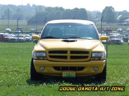 Above: Dodge Dakota R/T, photo from 2004 Chrysler Classic Columbus, Ohio.