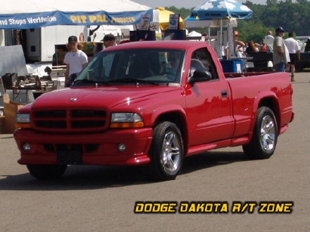 Above: Dodge Dakota R/T, photo from 2004 Chrysler Classic Columbus, Ohio.