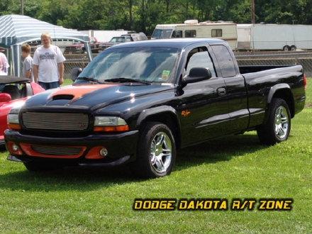 Above: Dodge Dakota R/T, photo from 2004 Tri-State Chrysler Classic Hamilton, Ohio.