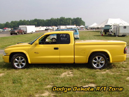 Above: Dodge Dakota R/T, photo from 2005 Chrysler Classic Columbus, Ohio.