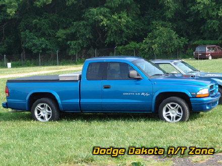 Dodge Dakota R/T, photo from 2005 Chrysler Classic Columbus, Ohio.